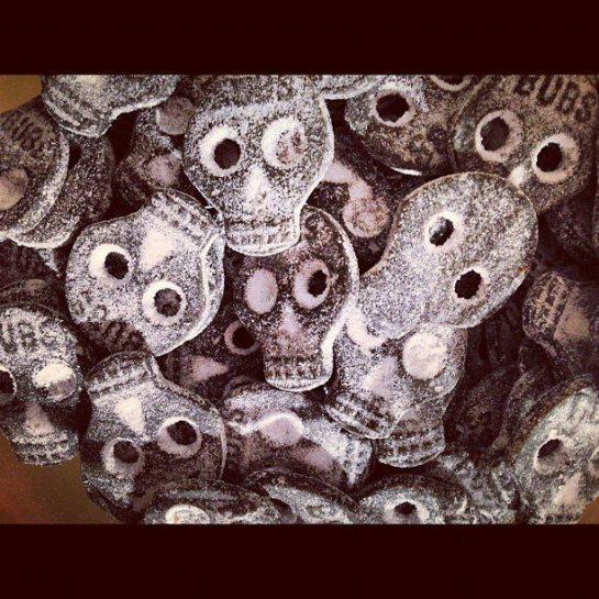 skull gummies